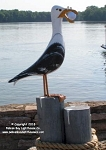 3750102 Seagull On Pilings, Carved Wood, w/Golf Ball, 35